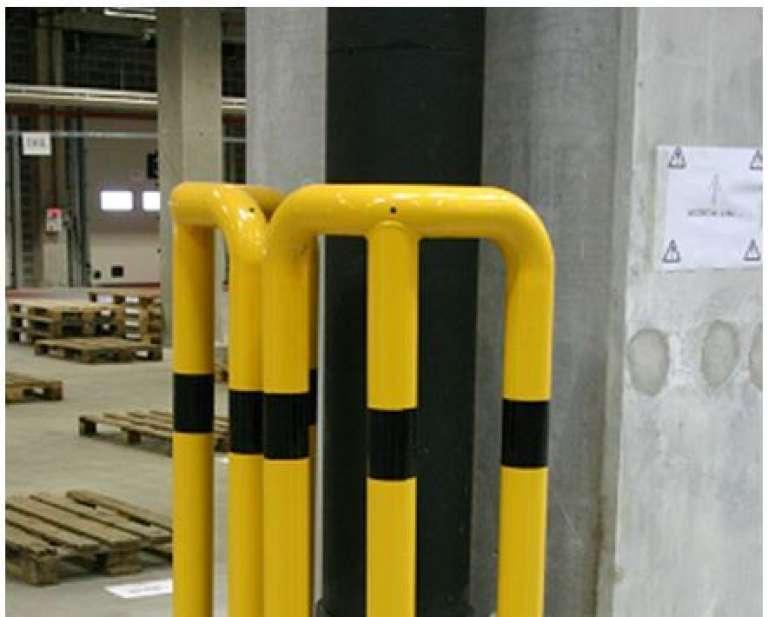 Stalen hoekbescherming ter bescherming van uitwendige hoeken van muren