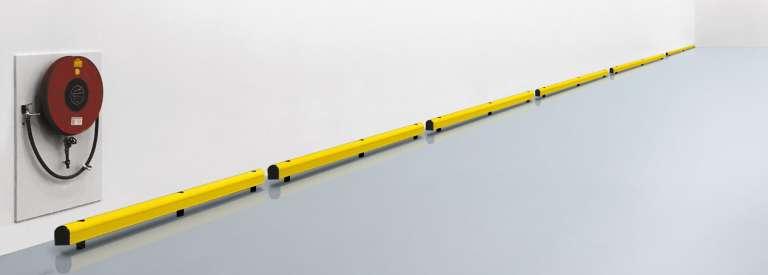 Kunststofaanrijdbeveiliging met enkele rail, ideaal terbescherming van muren.