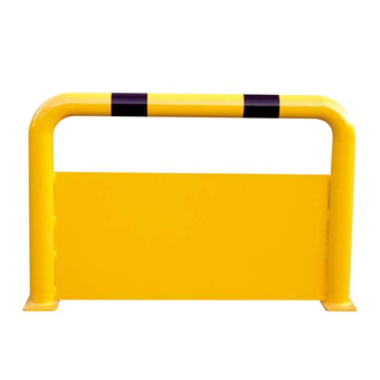 Deze stalen beugel met beschermingsplaat is uiterst geschikt als onderrijbeveiliging, bijvoorbeeld in laad- en loszones.