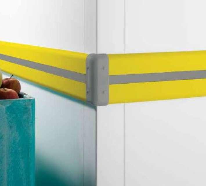 Kunststof muurbescherming, geschikt ter bescherming van muren in industriële ruimtes.
